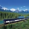 ट्रेन से कनाडा के पर्वतों का रोमांच